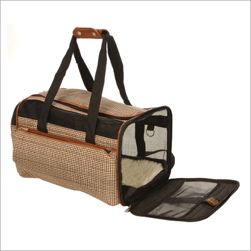 Various cat carrier sizes can be bought from online shops and nearby pet