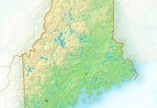 What is the size of Maine?